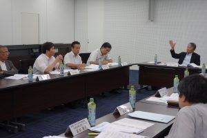 左から酒井委員・西村委員・田中(玉井委員)代理・兵頭委員・安川委員長